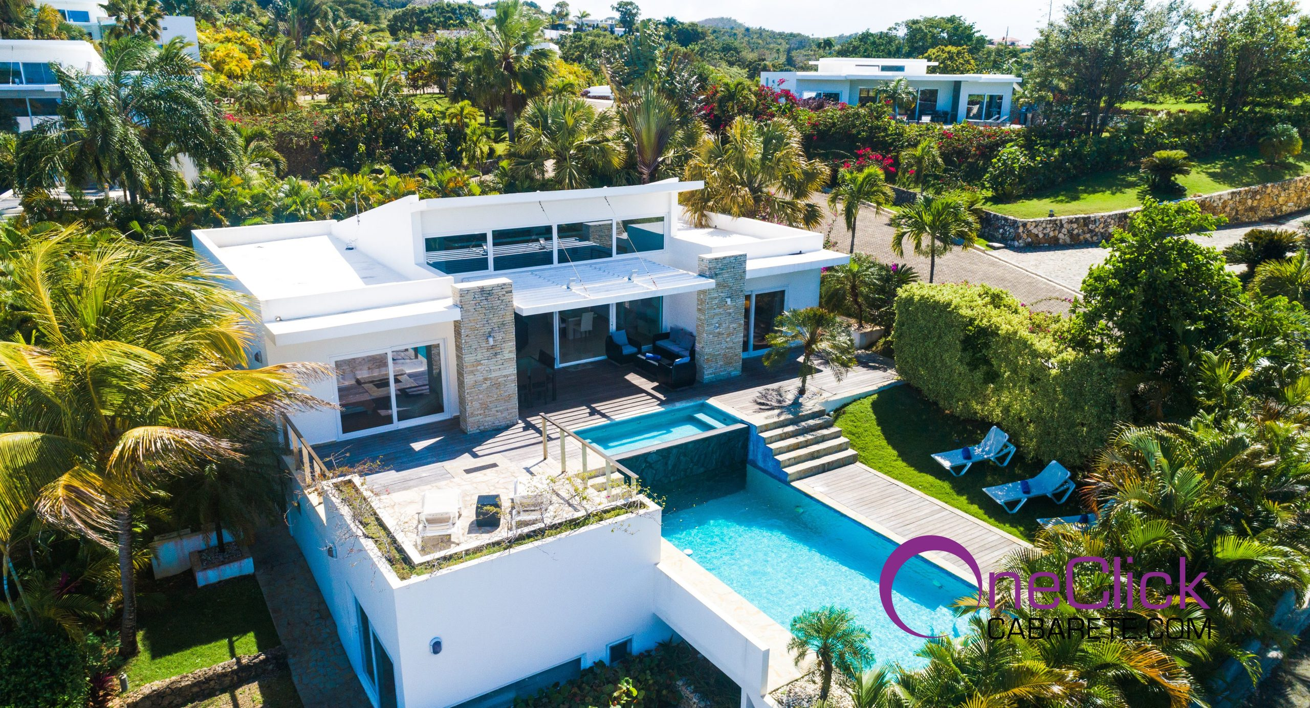 Spacious 3-Bedroom Villa up the Hill, amazing view