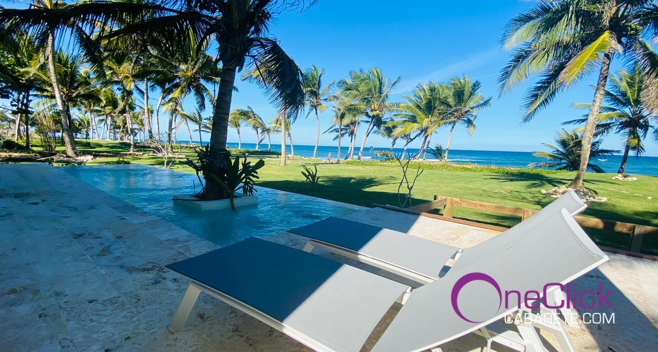 Magnificent Oceanfront 5-Bedroom Villa For Rent